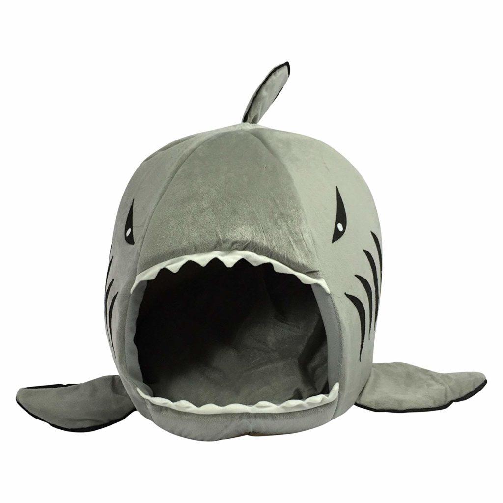 "Кошкин дом ""В зубах акулы"""